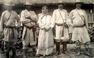 Белорусский национальный костюм для женщин и мужчин
